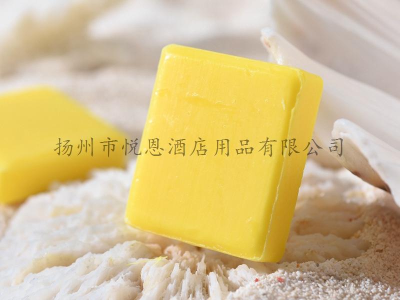 正方形淡黄色香皂